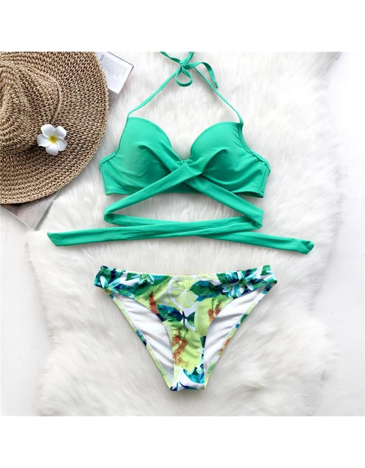 moteriskas maudymosi kostiumelis1